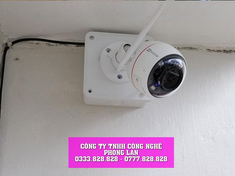 lap-dat-camera-trong-vuon-ray-cua-chi-xim-tai-loc-bac-bao-lam-camera-phonglan-1
