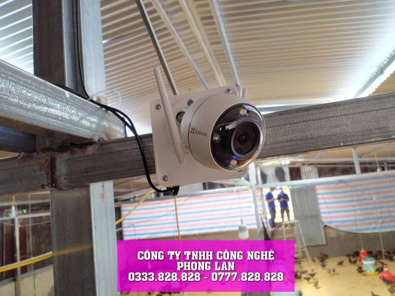 lap-dat-camera-wifi-trai-ga-nha-anh-vuong-tai-loc-chau-camera-phonglan-2