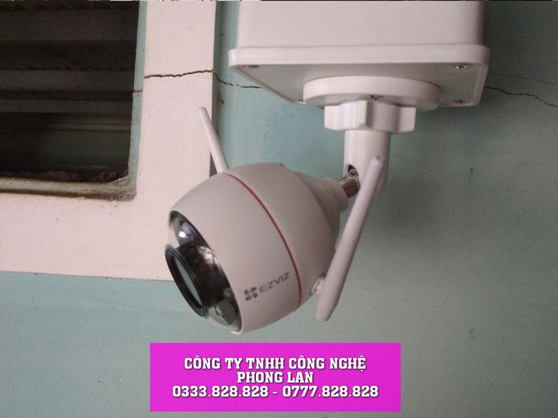 lap-dat-camera-nha-chi-loan-o-loc-thanh-bao-lam-lam-dong-camera-phonglan-2